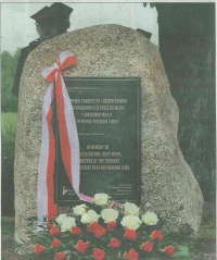Obelisk poświęcony pamięci Franciszki i Józefa Sowów