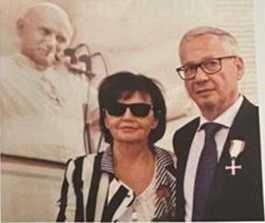 Jakub Szadaj wraz z małżonka Małgorzatą. W roku 2018 został odznaczony Krzyżem Wolności i Solidarnści